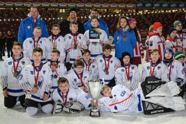 Młodzi hokeiści UKH Unia Oświęcim trzecią drużyną wPolsce