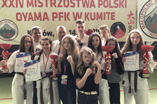 Zawodnicy Oświęcimskiego Klubu Karate wdobrej dyspozycji