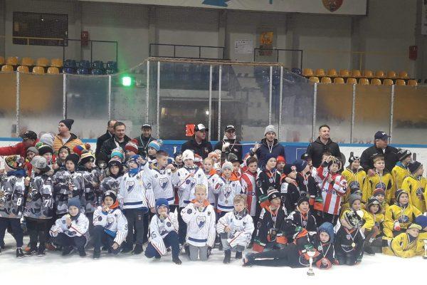 Sporo hokeja wwykonaniu najmłodszych